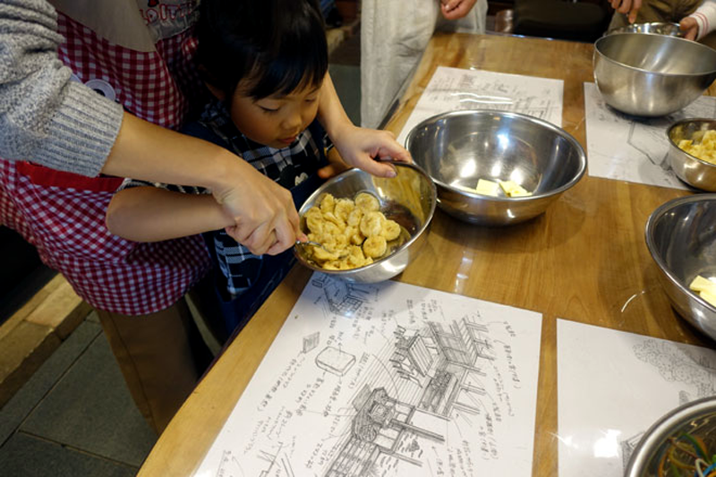 クックストーブでのお菓子教室開催1