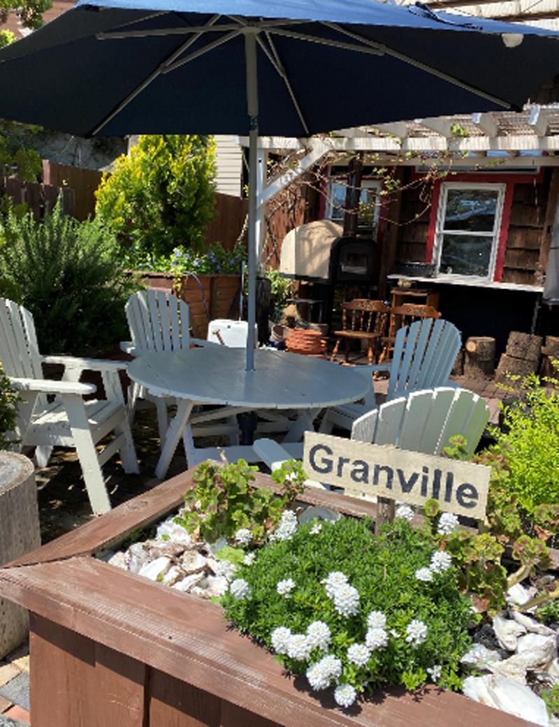 ガーデンデッキ、ガーデンテーブル1